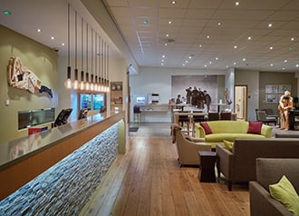 Icelandair Hotel Akureyri - lobby and bar